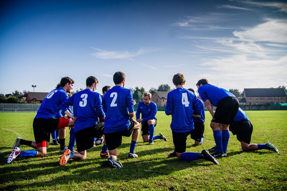 Pertandingan Sepak Bola Persahabatan